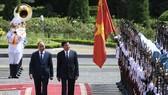 Tổng Bí thư, Chủ tịch nước Lào Thongloun Sisoulith thăm hữu nghị chính thức Việt Nam