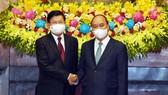 Chủ tịch nước Nguyễn Xuân Phúc hội kiến với Tổng Bí thư, Chủ tịch nước Lào Thongloun Sisoulith