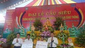 Over 2,000 monks, Buddhists hold requiem for traffic accident victims
