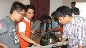 Young Vietnamese innovators are touring FabLab Saigon