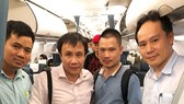 Professor Pham Nhu Hiep ( second in the left) and his colleagues transport donated heart (photo: SGGP)