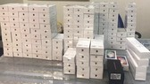 Over 250 iPhones seized in Tan Son Nhat Airport