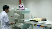Vietnam, France bolster cooperation in cancer treatment