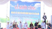 The ceremony to start the construction of the waste treatment factory in Quang Trach district of Quang Binh province (Photo: qbtv.vn)