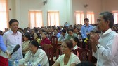At a meeting with farmers in Dong Thap ( Photo: SGGP)