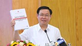 Deputy Prime Minister Vuong Dinh Hue said that the White Book provides reliable information for the Government, ministries, sectors and localities as well as associations and investors. — VNA/VNS Photo