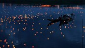 More than 15,000 lanterns were lighted up on Thach Han river in Quang Tri province (Photo: tinhuyquangtri.vn)