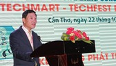 Deputy Minister of Science and Technology Tran Van Tung is delivering his speech