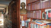 Culture authority in Binh Duong grants certificate to privately owned library