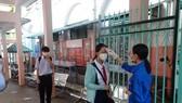 Teachers, schoolers in Hanoi return to classrooms (Photo: SGGP)