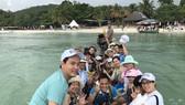 Family-friendly group tours warm up tourism market in Vietnam (Photo: SGGP)