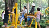 Vietnamese people do physical exercises regularly so they have longer lifespan (Photo: SGGP)