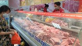 Workers infected with Covid-19, atabattoirs in HCMC reduce operating capacity