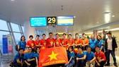 Nationwide football lovers flock to Noi Bai International Airport for a direct flight to Dubai