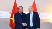 Vietnamese Prime Minister Nguyen Xuan Phuc and Swiss President Ueli Maurer at WEF Davos 2019 (Photo:VNA)
