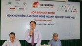 Nguyen Viet Thang, President of the Vietnam Fisheries Society and head of the organising board, speaks at the press conference (Photo: baocantho.com.vn)