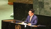 Deputy Prime Minister and Foreign Minister Pham Binh Minh speaks at the General Debate of the UN General Assembly's 74th session (Photo: VNA)