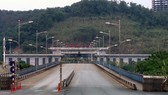 The Kim Thanh International Border Gate No. 2 of Lao Cai province on the first day of the suspension (Photo: VNA)