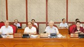 Party General Secretary and State President Nguyen Phu Trong (centre) speaks at the meeting. (Photo: VNA)