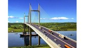 HCMC, Dong Nai discuss construction planning of Cat Lai Bridge