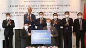 Overseas Vietnamese, int'l friends make contributions to vaccine coverage goal
