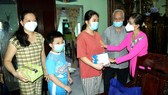 HCMC maintains caring for lonely elderly, orphaned children due to Covid-19