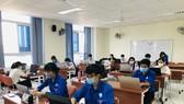 Mỗi ngày hơn 50 sinh viên tham gia hỗ trợ tại HCDC
