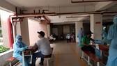 Người dân phường Tân Thuận Tây (quận 7) tiêm vaccine Vero Cell trong sáng ngày 13-8