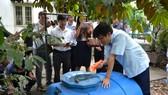 Lãnh đạo Bộ Y tế kiểm tra tình hình phòng chống sốt xuất huyết tại quận Bình Tân
