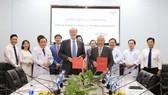 Lễ ký kết biên bản ghi nhớ hợp tác giữa Bệnh viện Chợ Rẫy và Bệnh viện Đại học Geneva (Thụy Sỹ)