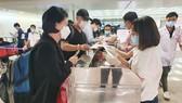 76 hành khách trên chuyến bay QR 974 cần đến cơ quan y tế để kiểm tra, khai báo