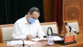 Đồng chí Nguyễn Thiện Nhân, Ủy viên Bộ Chính trị, Bí thư Thành ủy TPHCM chủ trì tại điểm cầu Thành ủy. Ảnh: Trung tâm báo chí TPHCM