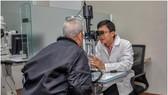 Bệnh viện Mắt TPHCM phẫu thuật miễn giảm viện phí cho đối tượng chính sách