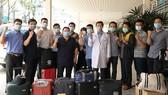 Đội phản ứng nhanh Bệnh viện Chợ Rẫy với 13 thành viên lên đường chi viện cho tỉnh Kiên Giang vào sáng 19-4