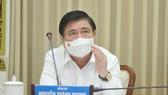 Chủ tịch UBND TPHCM Nguyễn Thành Phong yêu cầu kích hoạt toàn bộ phương án chống dịch Covid-19 mức cao nhất
