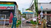 Phong tỏa nơi ca nghi nhiễm tại con hẻm tại thị trấn Nhà Bè, huyện Nhà Bè, TPHCM