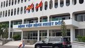 Tạm phong tỏa Bệnh viện Bệnh Nhiệt đới vì có 3 ca nghi mắc Covid-19