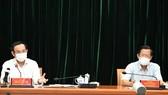 Bí thư Thành ủy TPHCM phát biểu tại cuộc họp. Ảnh: VIỆT DŨNG