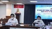 Phó Trưởng Ban Tuyên giáo Thành ủy Lê Văn Minh và Phó Giám đốc Sở TT-TT Từ Lương chủ trì cuộc họp báo