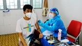 Người dân tiêm vaccine Vero Cell tại điểm tiêm quận Gò Vấp Ảnh: TTYT Quận Gò Vấp