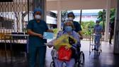 Một bệnh nhân điều trị ổn định được xuất viện tại Bệnh viện Nhân dân Gia Định