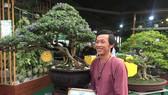 Nghệ sĩ Hoài Linh đoạt giải nhất Hội thi Hoa lan - Bonsai