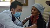 Bệnh viện Đại học Y Dược TPHCM khám chữa bệnh miễn phí cho người dân Quảng Ngãi