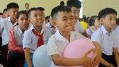 Trẻ em Trung tâm Nuôi dạy trẻ khuyết tật Võ Hồng Sơn đón 1-6