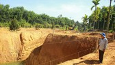 """Quảng Ngãi: Lão nông 68 tuổi đào """"giếng khủng"""" rộng 1.000m2"""