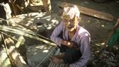 Chuyện người đàn ông hơn 45 năm sống biệt lập giữa núi rừng