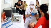 Trẻ nhỏ cần được tiêm đầy đủ vaccine để phòng ngừa dịch bệnh nguy hiểm, nhất là viêm não Nhật Bản