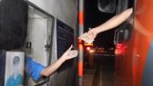 Tài xế sử dụng tiền lẻ để mua vé qua Trạm thu phí BOT tuyến tránh TP Biên Hòa