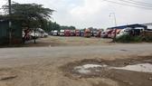 Nhức nhối bãi xe container trong khu dân cư
