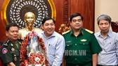 Thiếu tướng Som Sun đến thăm và chúc Tết lãnh đạo TPHCM. Ảnh: hcmcpv